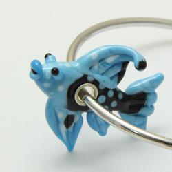 Бусина из стекла лэмпворк в виде зверушки Голубая рыбка