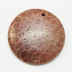 Кулон из коралла круглый