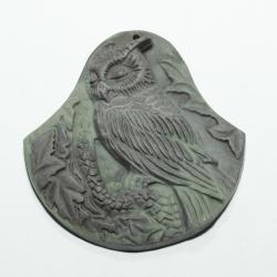 Кулон из яшмы с совой