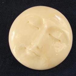 Резной кабошон из кости Лик луны 14 мм